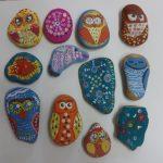 роспись по камням (работы детей)
